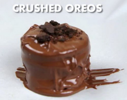 Chocolate Covered Reese's Stuffed Oreos recipe (9)