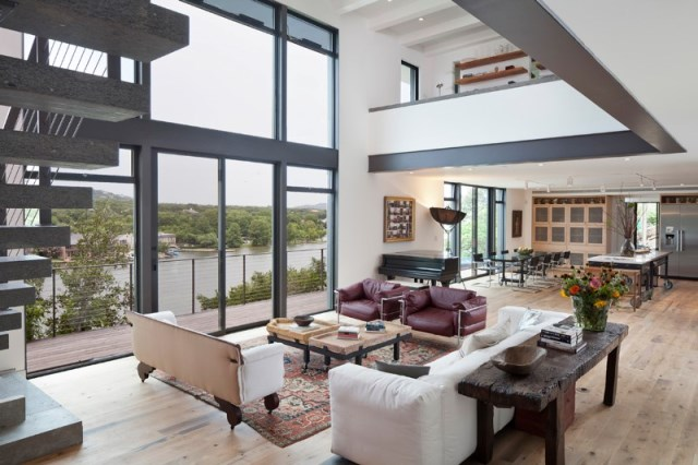 Cliff-Dwelling-a-residential-renovation-with-a-cliff-side-view-over-Lake-Austin-5