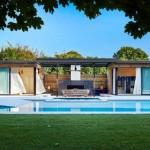 บ้านตากอากาศโมเดิร์น มาพร้อมสระว่ายน้ำขนาดเล็ก โดนใจครอบครัวสมัยใหม่