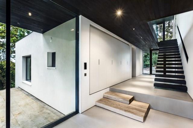 London-House-extended-and-modernized-by-Rado-Iliev-10