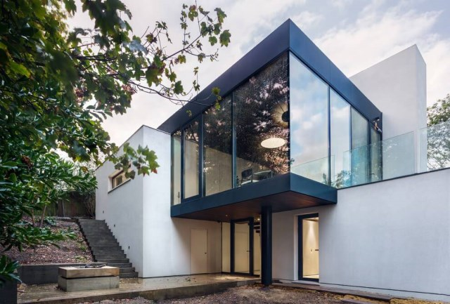 London-House-extended-and-modernized-by-Rado-Iliev-2