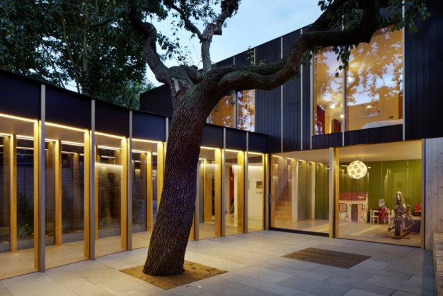 Pear-Tree-House-in-South-London-by-Edgley-Design-22
