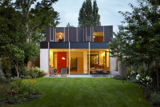 Pear-Tree-House-in-South-London-by-Edgley-Design-23