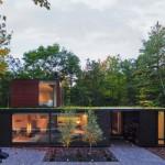 บ้านตากอากาศสไตล์โมเดิร์น ออกแบบเรียบง่ายรูปทรงกล่อง สวยงามทามกลางธรรมชาติ