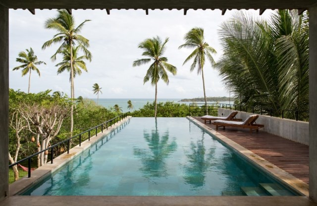 This-Sri-Lankan-Beach-Villa-is-Serene-Relaxed-and-Intimate-21