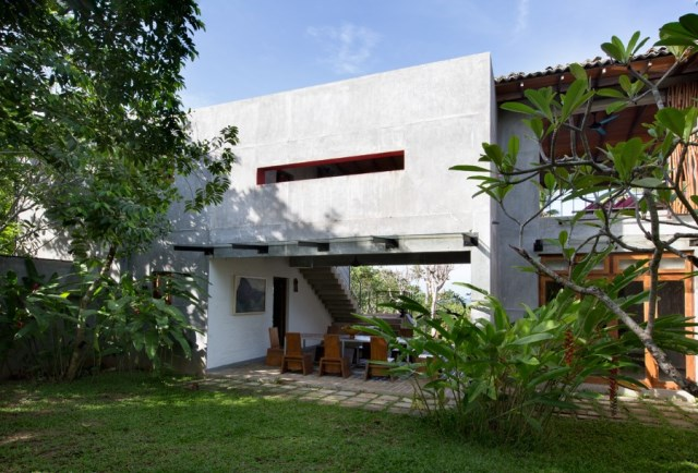 This-Sri-Lankan-Beach-Villa-is-Serene-Relaxed-and-Intimate-22