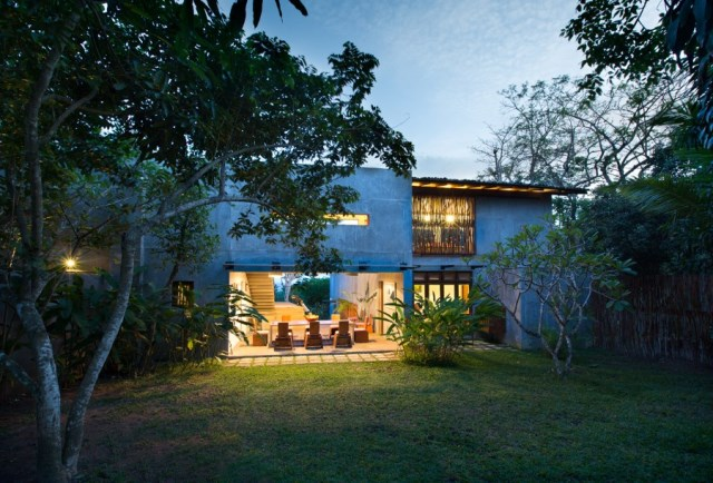 This-Sri-Lankan-Beach-Villa-is-Serene-Relaxed-and-Intimate-27