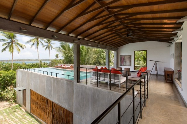 This-Sri-Lankan-Beach-Villa-is-Serene-Relaxed-and-Intimate-3