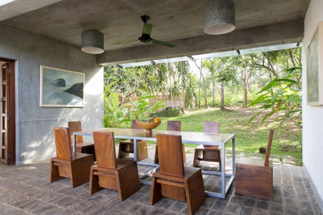 This-Sri-Lankan-Beach-Villa-is-Serene-Relaxed-and-Intimate-4