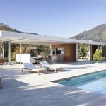 บ้านวิลล่าสไตล์โมเดิร์น ออกแบบรูปทรงทันสมัย มาพร้อมสระว่ายน้ำ