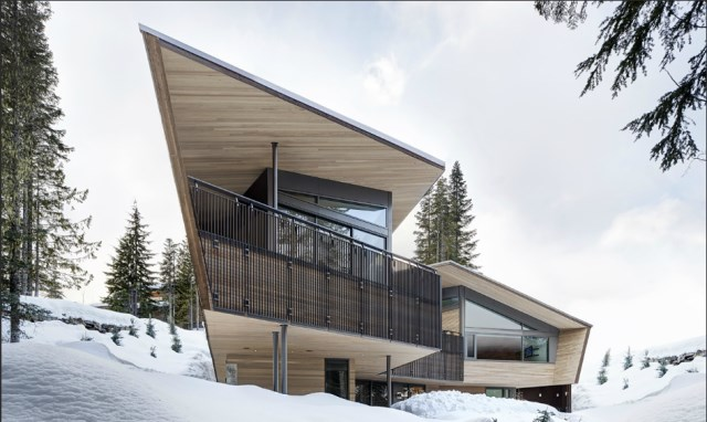 Whistler-House-Designed-with-a-Modern-and-Enigmatic-Facade-1