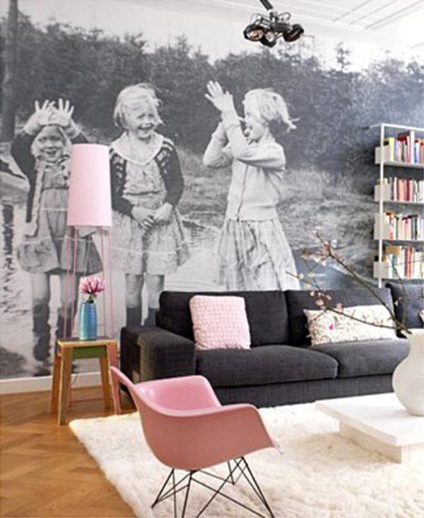 black-and-white-display-family-photos