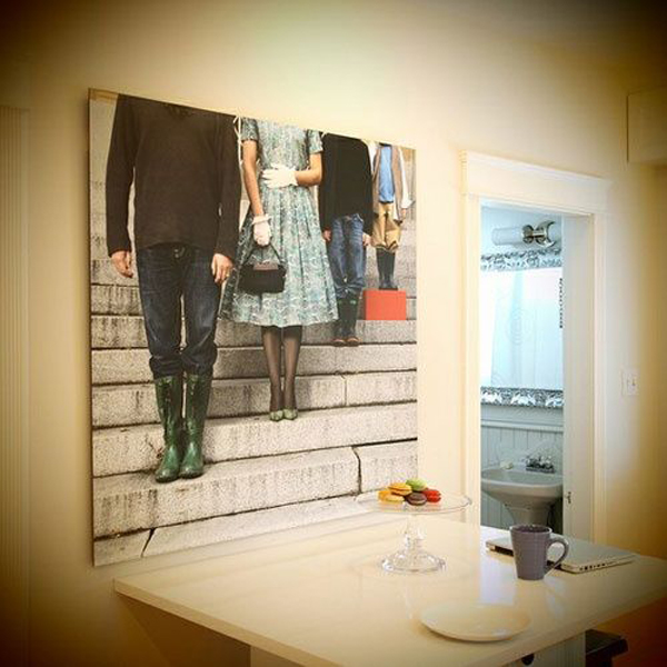 creative-art-dispaly-family-photos-on-dining-walls