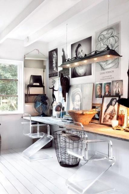 display-family-photos-on-workspaces
