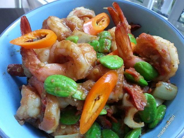 fried Pakria with shrimp paste recipe