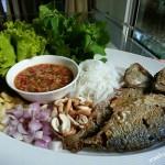 """เมนูอร่อย """"เมี่ยงปลาทู"""" รสจัดจ้านถึงใจ มีประโยชน์จากผักสมุนไพรและโปรตีนจากปลา"""