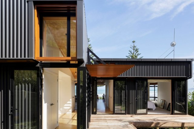 offSET-Shed-House-is-a-beach-house-with-a-large-opening-to-the-sea-1