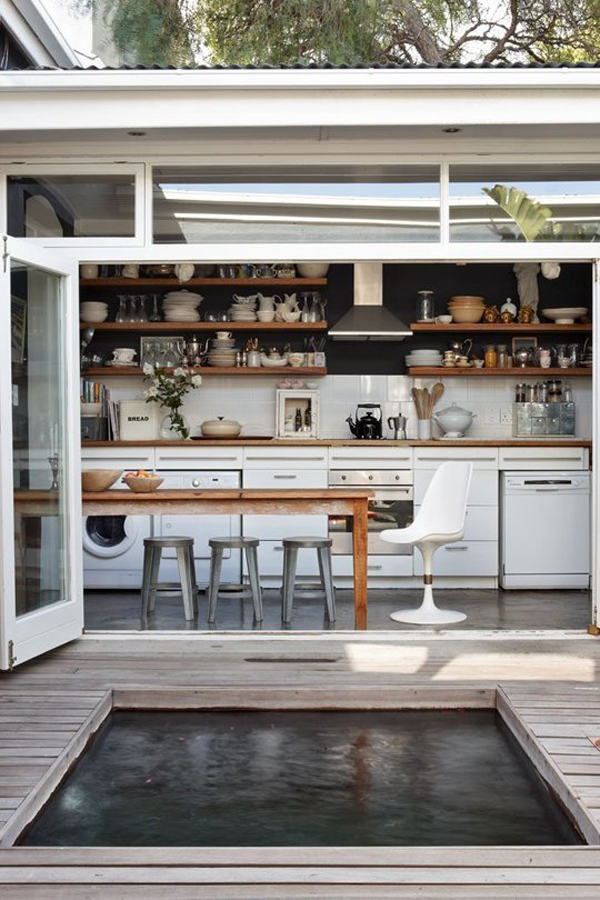 open-kitchen-with-internal-courtyard