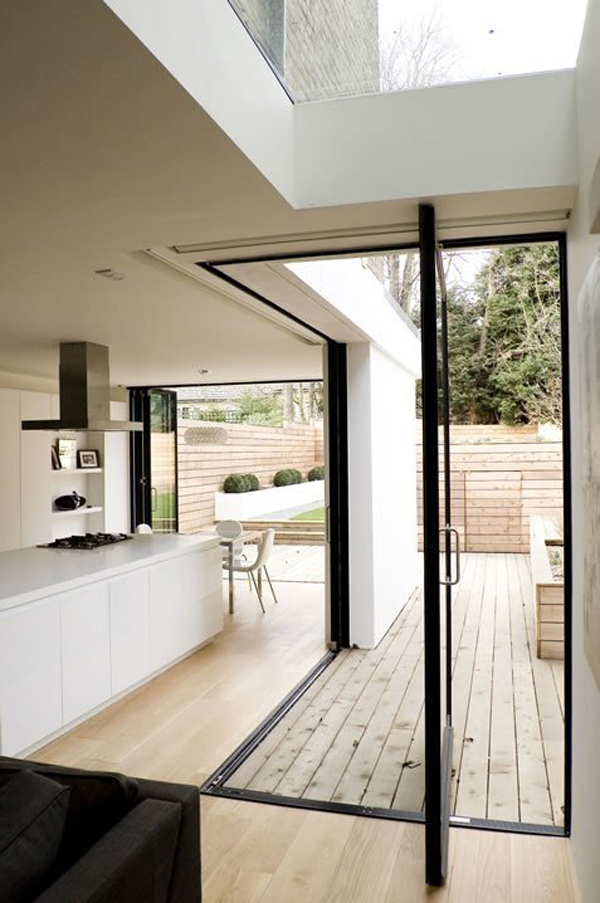 pivoting-and-folding-doors-for-open-house