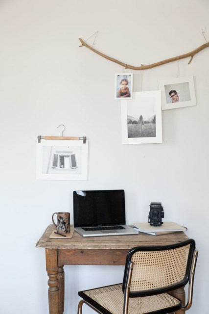 simple-diy-display-family-photos-wall