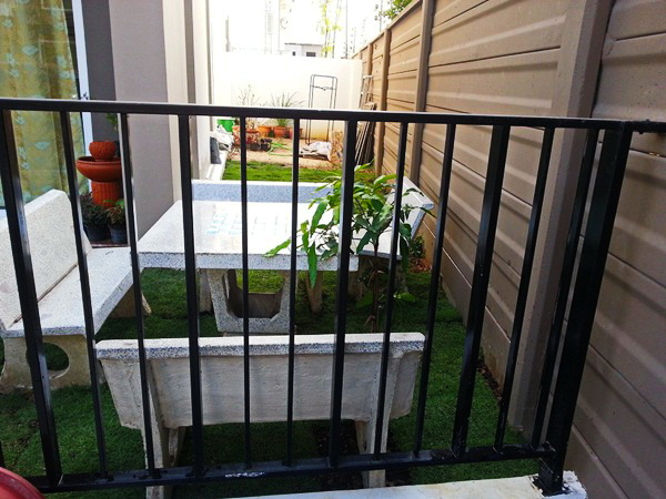 small front yard garden review  (6)
