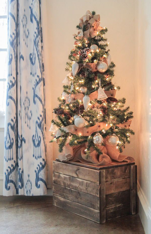 wooden-crate-for-display-mini-christmas-tree