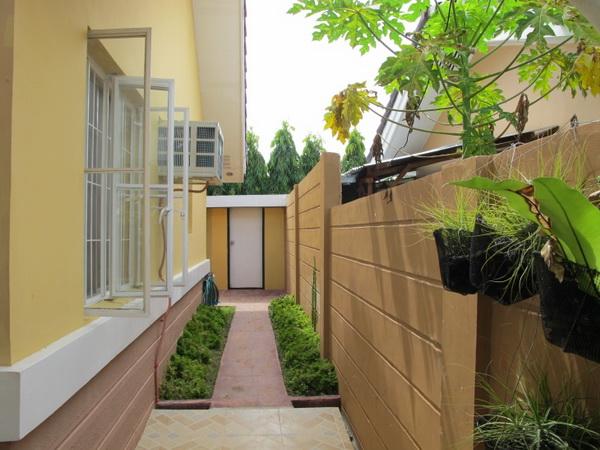 1-storey-filipino-resort-style-house (12)