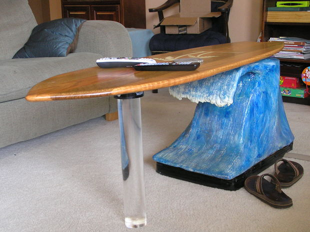 10 coolest-diy-coffee-table-designs (5)