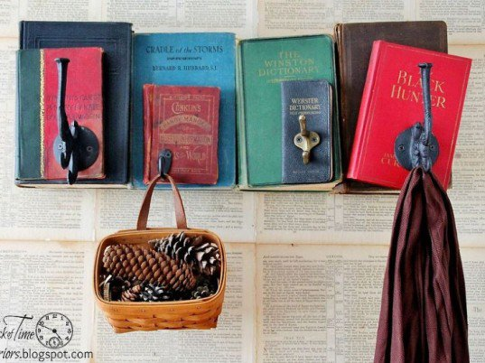 13 ideas to reuse old books for house decoration (7)