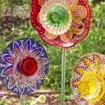 """15 ไอเดียตกแต่งสวน ในธีม""""ดอกไม้ประดิษฐ์"""" ทำง่ายๆ จากของเหลือใช้ในบ้าน"""