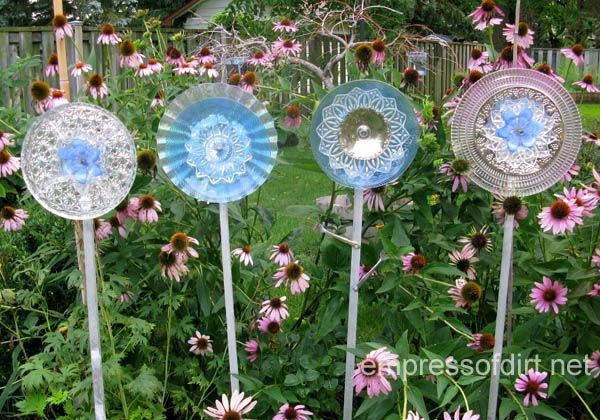 15-diy-ideas-to-make-inexpensive-garden-flowers (12)