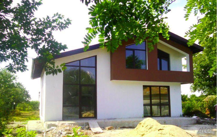 2-storey-sunny-bright-resort-house (4)