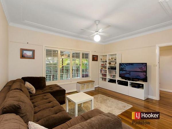 3 bedroom hip roof terrace house (2)