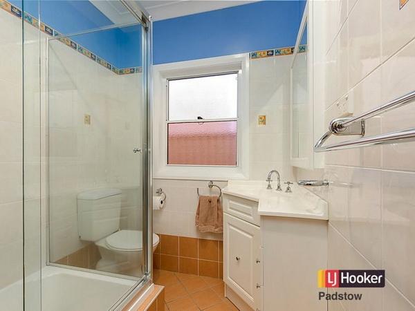 3 bedroom hip roof terrace house (5)