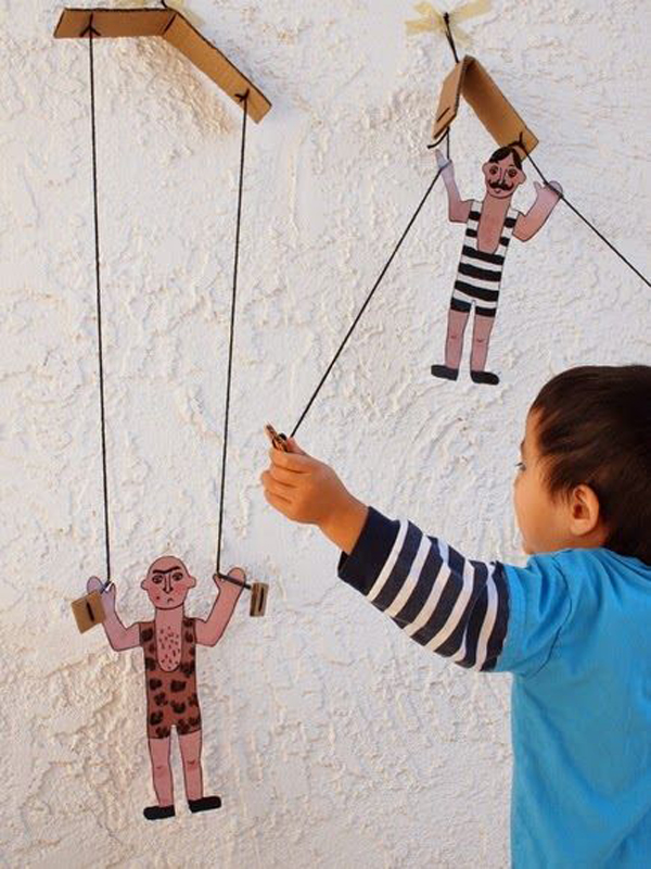 5-diy-cardboard-toys-for-kids (23)