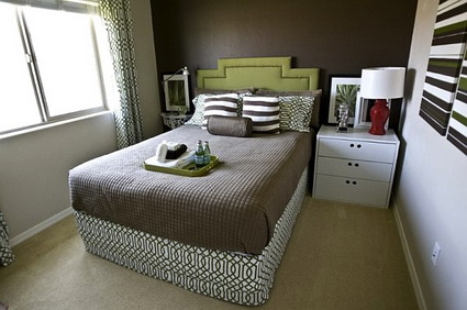 6 tips for decorating small bedroom (7)