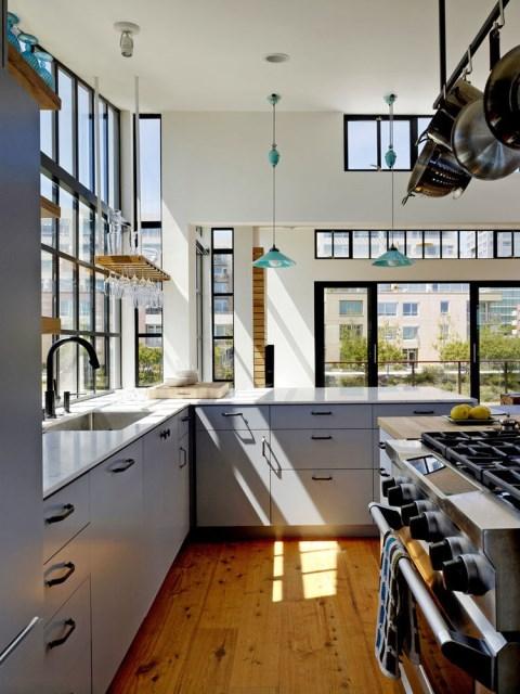 6_san_francisco_floating_home_kitchen_marble_countertop_bar_0