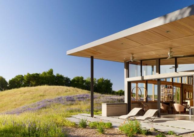 Caterpillar-House-by-Feldman-Architecture-www.homeworlddesign.-com-1-1024x721
