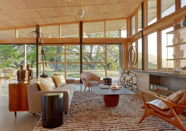 Caterpillar-House-by-Feldman-Architecture-www.homeworlddesign.-com-2-1024x721