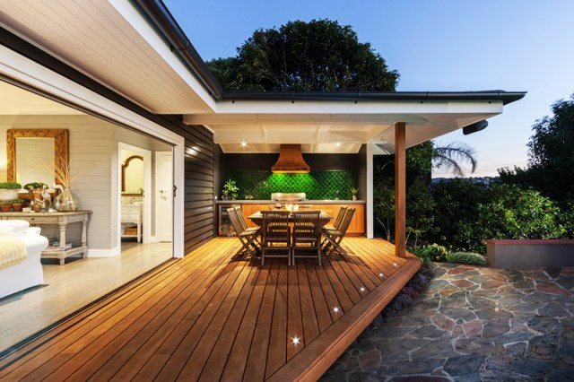 Contemporary Home outdoor area And pool (2)