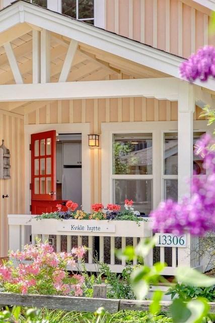 Cottage House sweet tone With veranda (13)