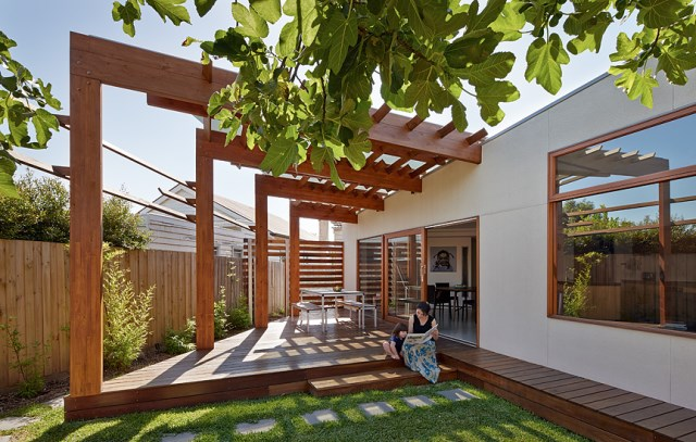 Crib-and-Chock-House-extension-of-residence-by-Windust-Architects-HomeWorldDesign-1