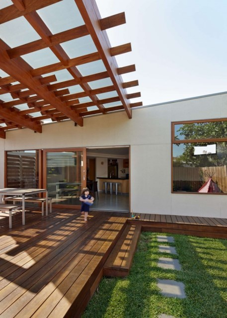 Crib-and-Chock-House-extension-of-residence-by-Windust-Architects-HomeWorldDesign-19-732x1024