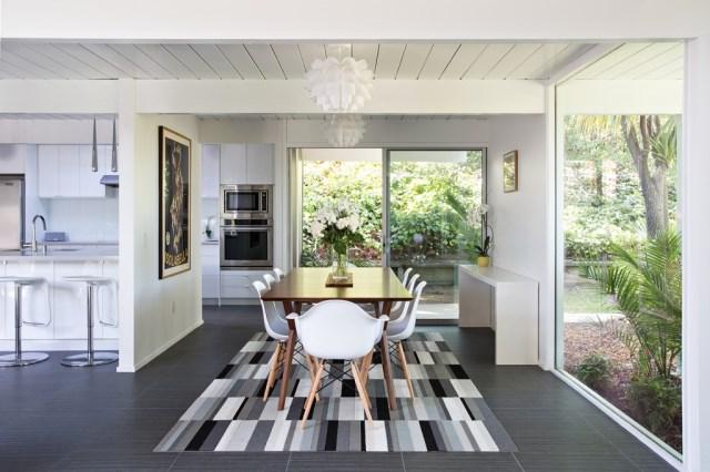 Eichler-house-modernized-by-Klopf-Architecture-www.homeworlddesign.-com-1-1024x682