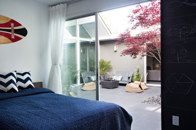 Eichler-house-modernized-by-Klopf-Architecture-www.homeworlddesign.-com-12-1024x682