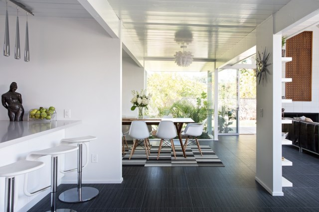 Eichler-house-modernized-by-Klopf-Architecture-www.homeworlddesign.-com-2-1024x682