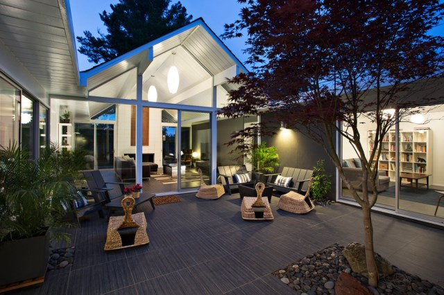 Eichler-house-modernized-by-Klopf-Architecture-www.homeworlddesign.-com-27-1024x682