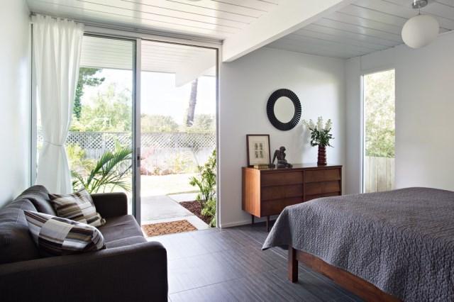 Eichler-house-modernized-by-Klopf-Architecture-www.homeworlddesign.-com-9-1024x682
