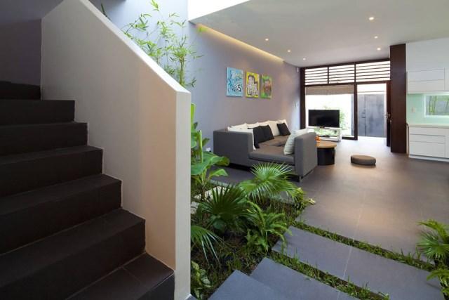 Go-Vap-House-by-MM-Architects-www.homeworlddesign.-com-9
