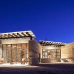 บ้านตากอากาศ โมเดิร์นจากวัสดุธรรมชาติ โชว์โครงสร้างแบบลอฟท์สไตล์